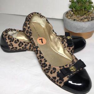 00530fadc5e TAHARI Animal Print Black Cap Toe Ballet Flats